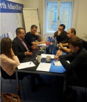 Alexander Duleba prednáša redaktorom slovenských médií na školení financovanom ambasádou USA. zdroj: Výročná správa CENAA